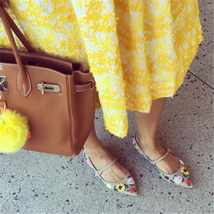 تصاميم أحذية الصيف بلمسة ألوان الربيع