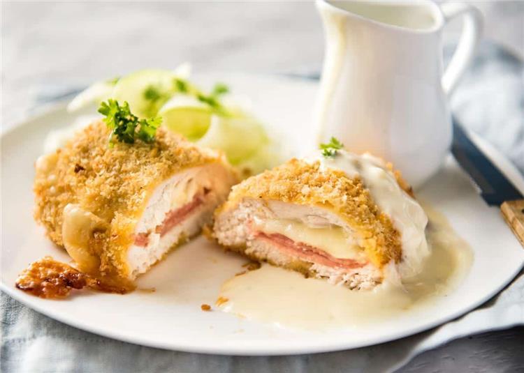 منيو غداء اليوم طريقة عمل كوردن بلو الدجاج مثل الجاهز