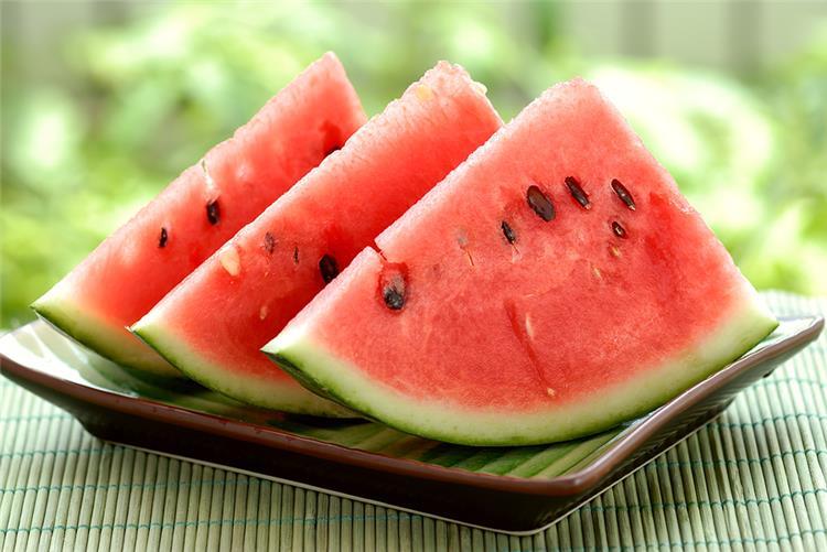 كيفية الاستفادة من لب البطيخ فوائد صحية مذهلة