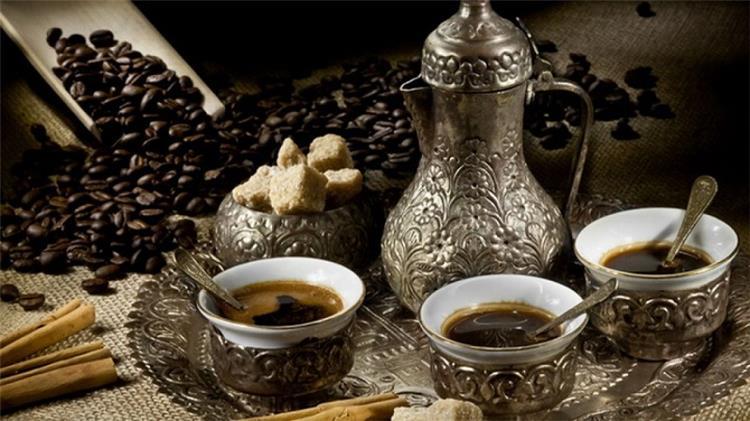 أهم 9 فوائد للقهوة العربية للرجال