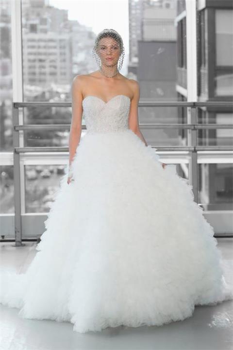 فساتين زفاف خريف وشتاء 2020 من تصميم جاستين الكسندر