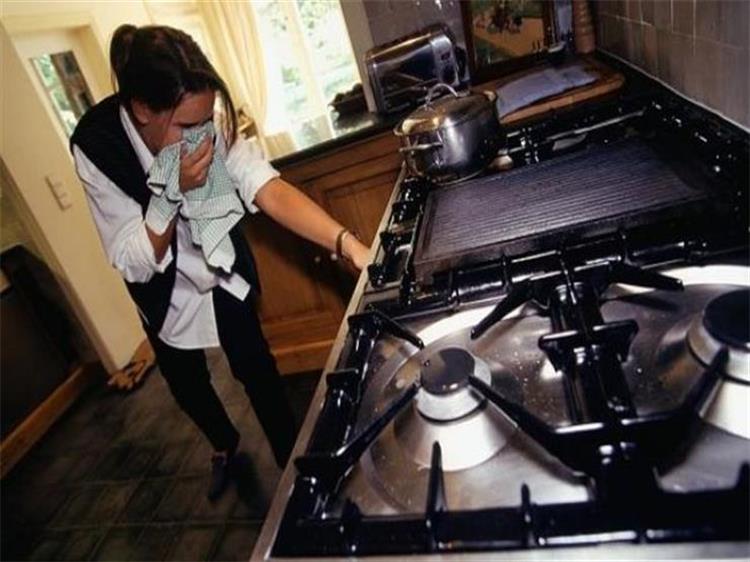 ماذا تفعلين عند الشعور بتسرب الغاز فى مطبخك