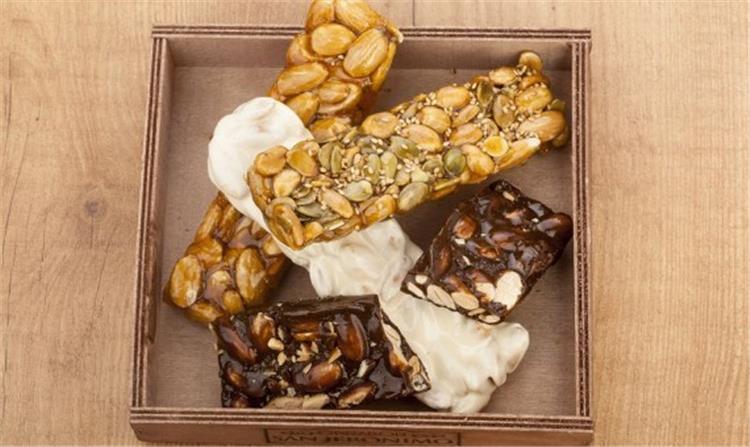 جدول السعرات الحرارية لحلوى المولد وأضرار تناولها