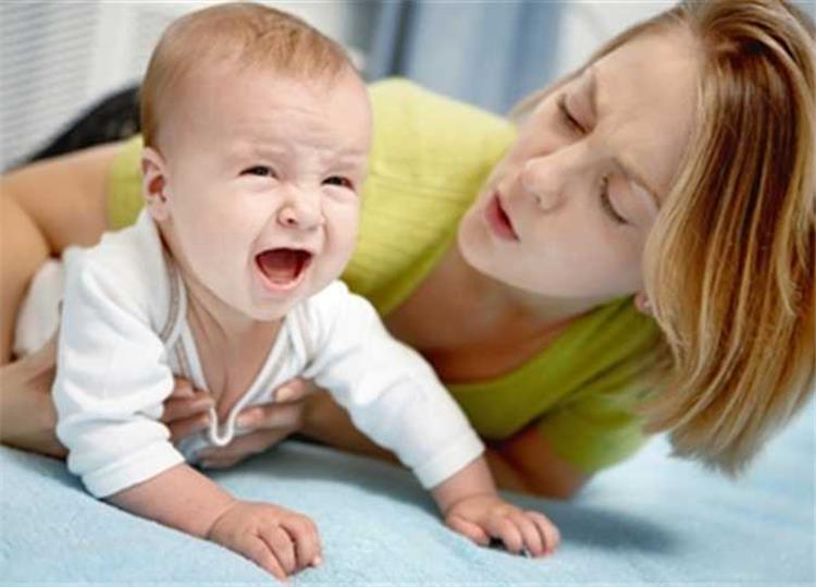 3 وصفات طبيعية لعلاج مغص حديثي الولادة بمكونات من البيت