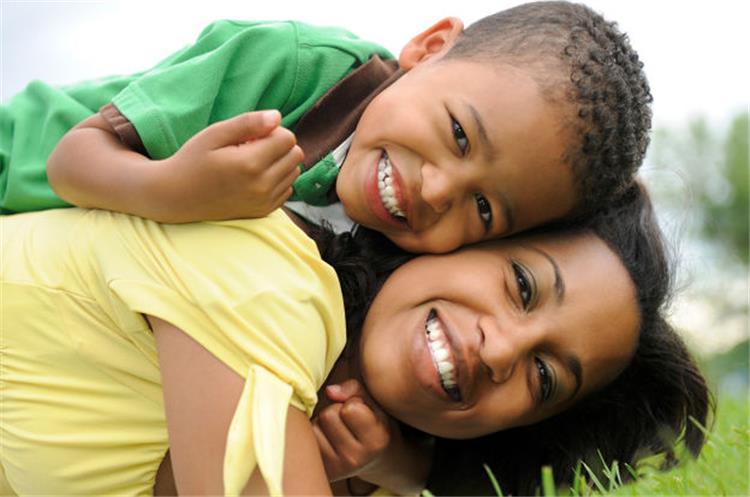 5 عادات يجب الابتعاد عنها خلال تربية الأبناء