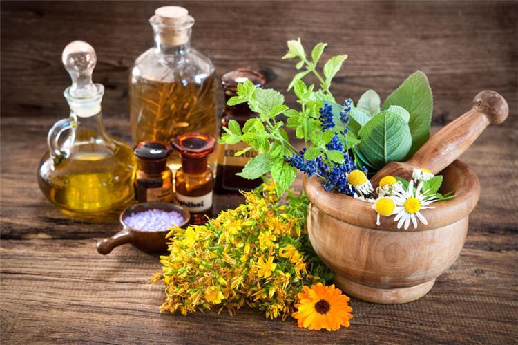 7 استخدامات مختلفة للزيوت العطرية تعرفي عليها