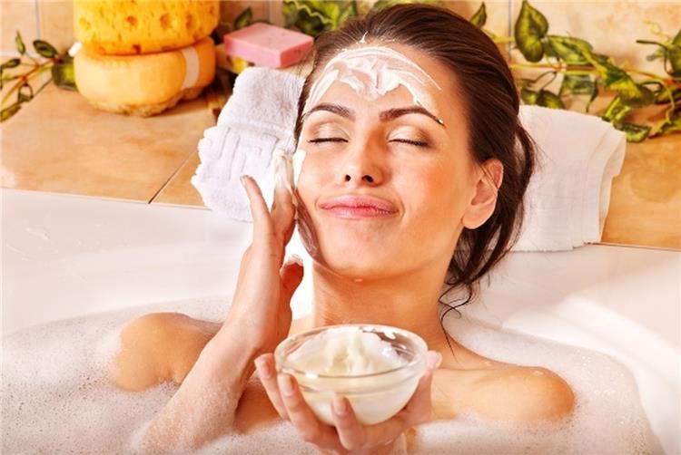وصفات طبيعية لتقشير الوجه والجسم