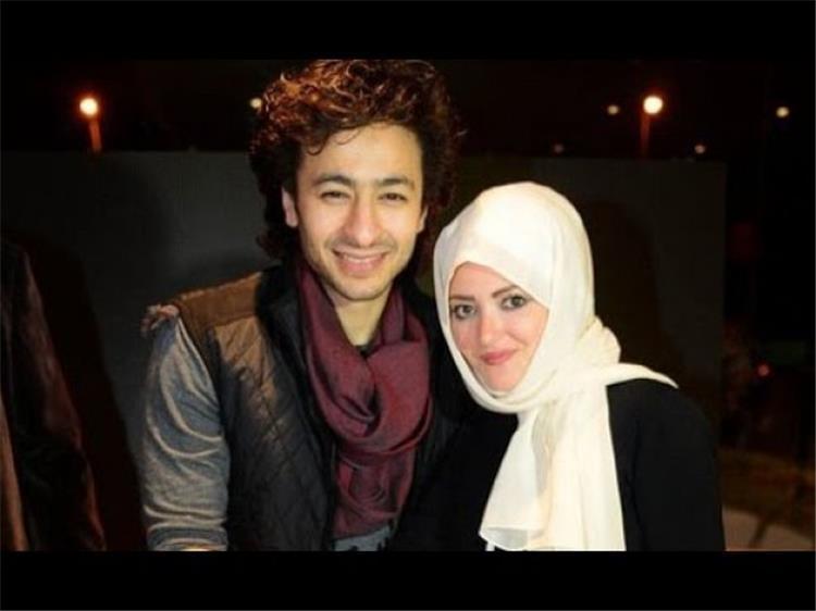 أول ظهور لزوجة حمادة هلال بدون حجاب نهائي ا