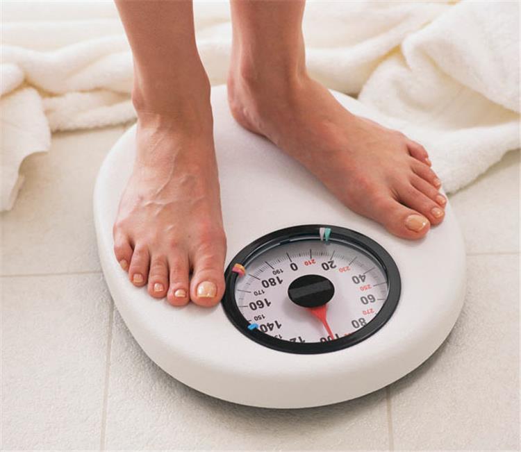 7 خطوات أساسية للحفاظ على وزنك المثالي في رمضان