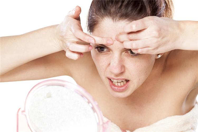 معجون الأسنان لعلاج حبوب البشرة المفاجئة