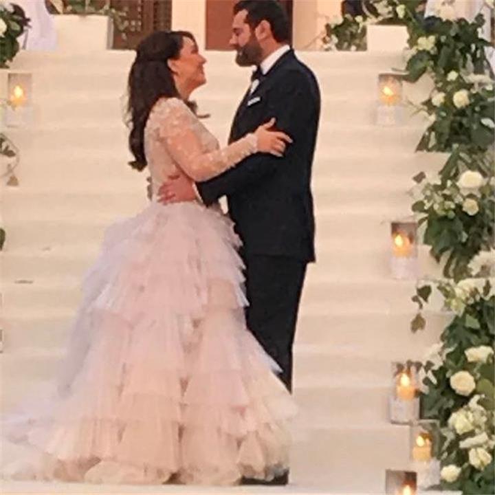 على طريقة النجمات تألقي في حفل زفافك بفستان بكرانيش
