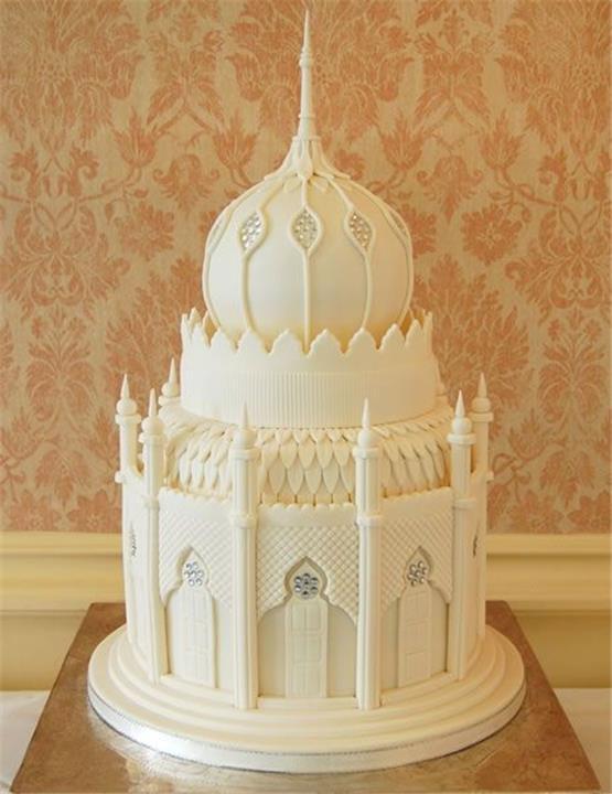 تورتة بلمسة عربية لزفاف بعد رمضان