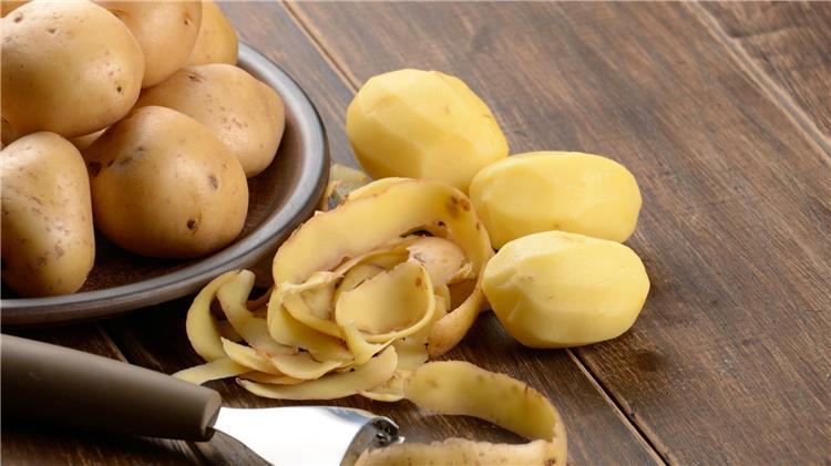 نصائح مجربة لمعرفة الفرق بين ثمار البطاطس الجيدة والسامة بسهولة
