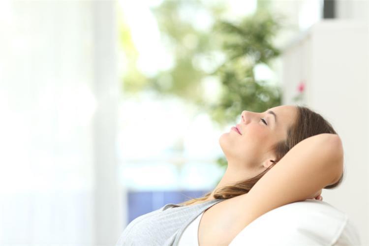 4 طرق لتعطير المنزل للتخلص من رائحة الطبخ
