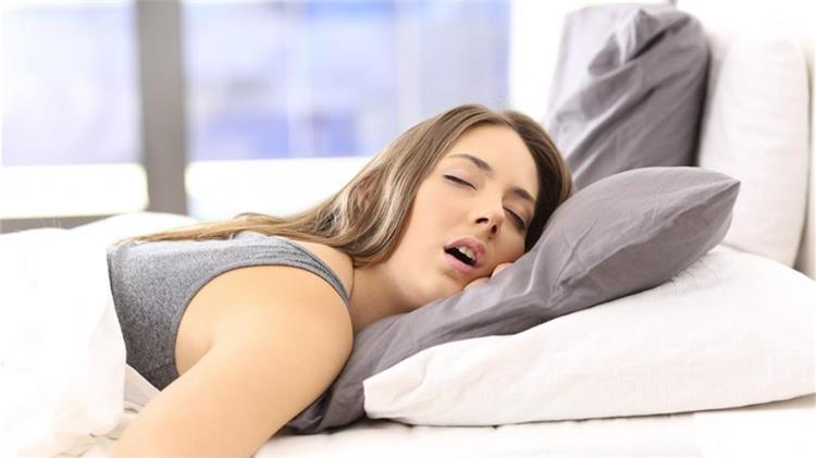 اسباب سيلان اللعاب عند النوم وطرق الوقاية والعلاج