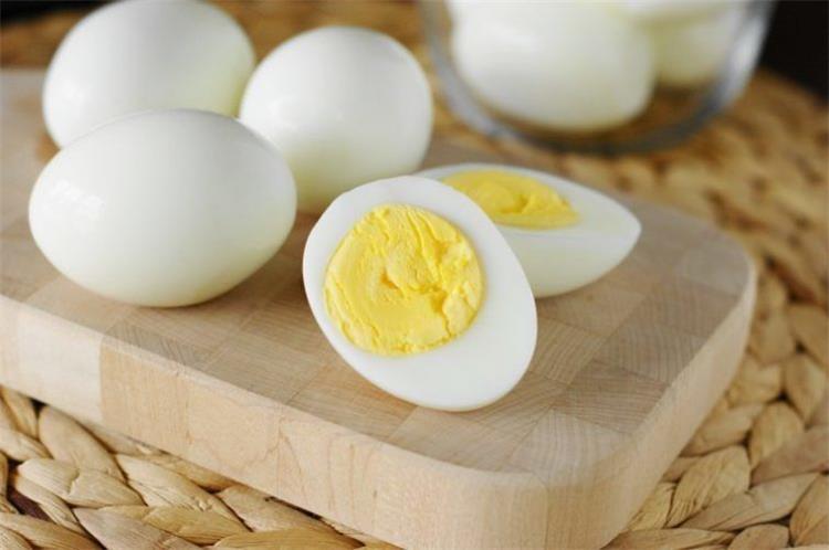 رجيم البيض المسلوق فقط لخسارة الوزن بشكل سريع