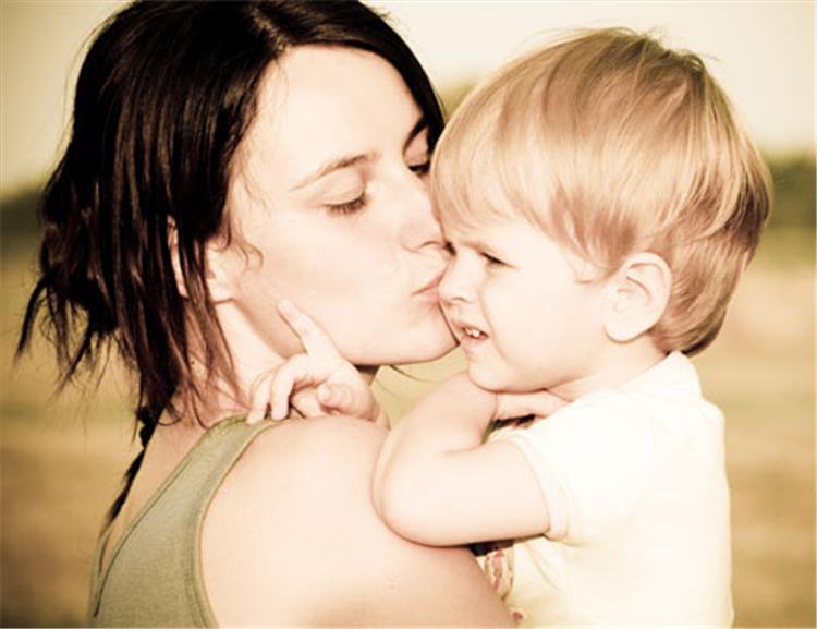 6 أشياء تمثل خطورة على حياة الطفل وصحته