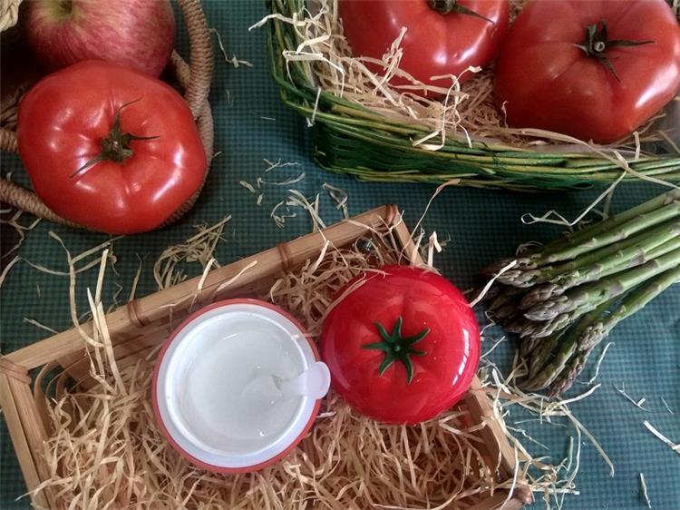 الآثار الجانبية لاستخدام الطماطم على بشرتك