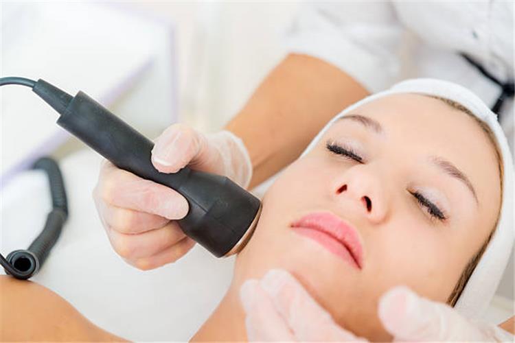 ليزر الوجه لازالة الشعر الفوائد والأضرار والنصائح