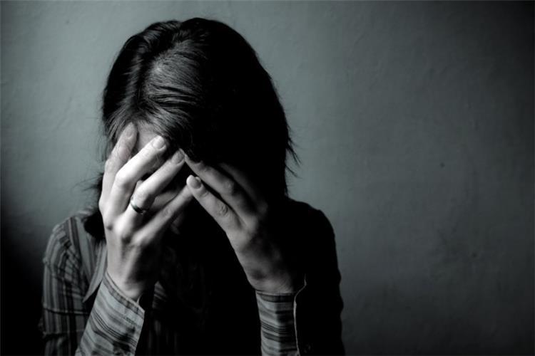 ما هي أسباب اكتئاب المراهقين