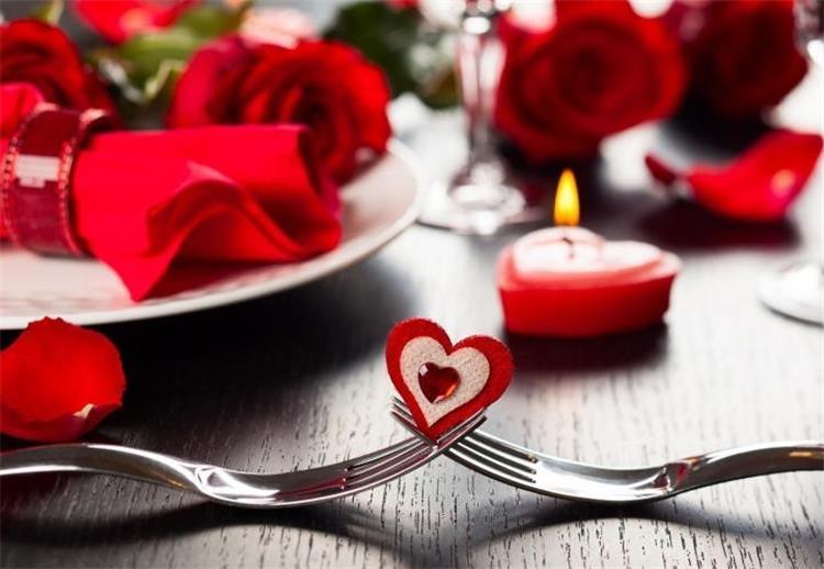 افكار لعشاء رومانسى مساء عيد الحب