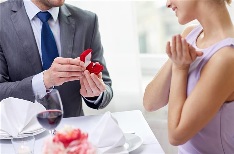 5 أفعال يجب تجنبها فى فترة الخطوبة لاتمام العلاقة