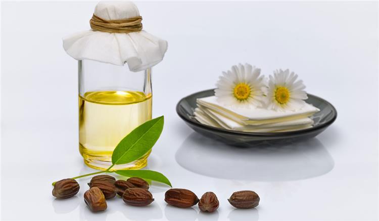 21 من فوائد زيت الجوجوبا على البشرة والشعر والأظافر والأماكن الحساسة نضارة وتغذية