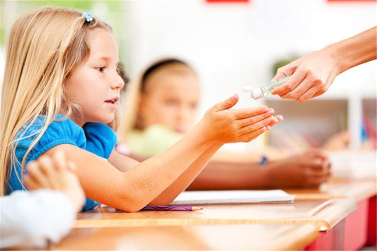 مخاطر استخدام الجل المعقم للأطفال