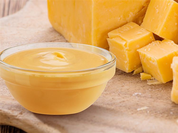 طريقة عمل الجبنة الشيدر بمكونات اقتصادية في المنزل مثل الجاهز