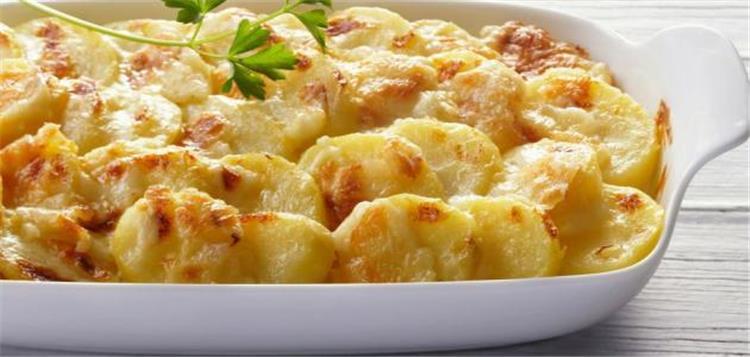 طريقة عمل البطاطا بالبشاميل للشيف حسن لأشهى الأطباق
