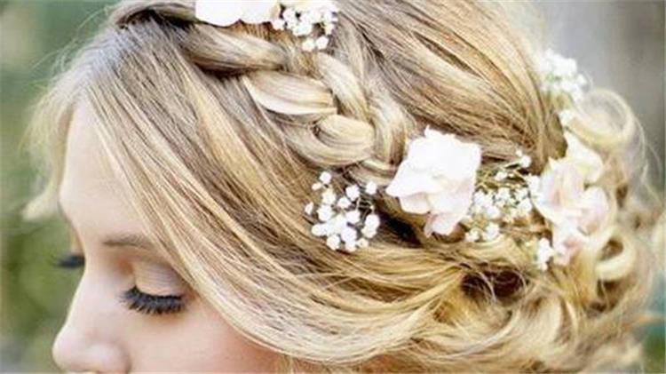 الضفيرة المناسبة للعروس في حفل الزفاف الشتوي بالصور