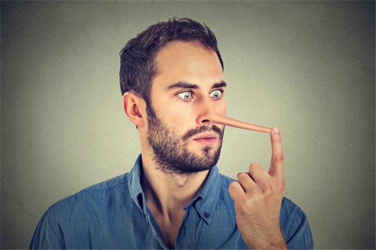 كيف تعبر لغة الجسد عن كذب شريك حياتك