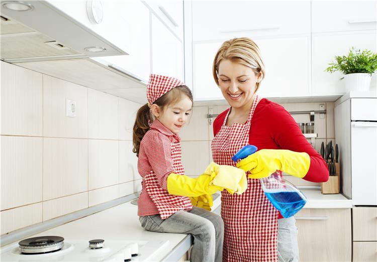كيفية تنظيف المنزل مع وجود الأطفال