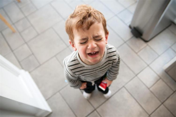 نصائح للسيطرة على نوبات الغضب عند طفلك