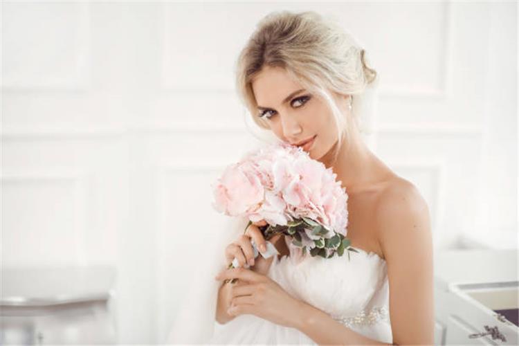 كيفية اختيار مكياج العرائس في فصل الشتاء