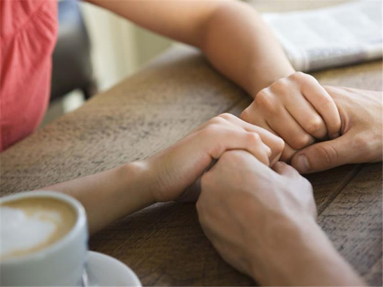 علامات فقدان الثقة في شريك الحياة