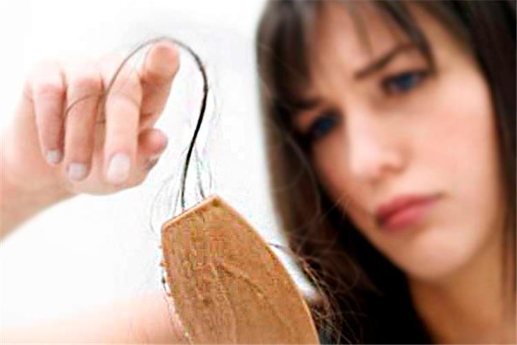 10 وصفات طبيعية تمنع تساقط الشعر بشكل ملحوظ
