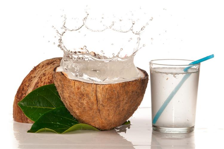 فوائد ماء جوز الهند الصحية للأطفال