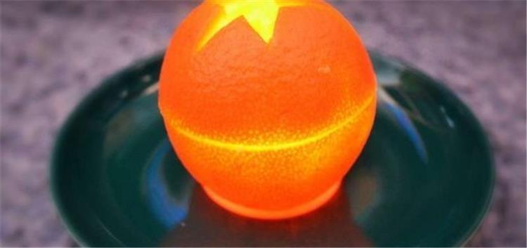طريقة عمل شموع من البرتقال لأجواء رومانسية ورائحة عطرة