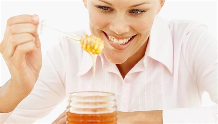 احرقي الدهون بملعقة من العسل يومي ا