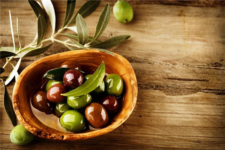 فوائد الزيتون الاسود والاخضر للصحة العامة