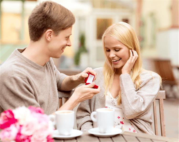 4 علامات تكشف لك طباع شريك حياتك خلال الخطوبة