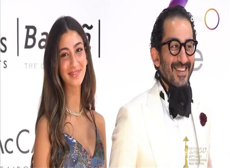 ابنة أحمد حلمي تقلده بطريقتها الخاصة في أحد أفلامه