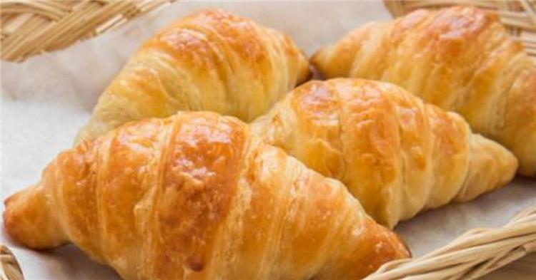 b735f3b26b296 طريقة عمل كرواسون بالجبن لفطار مغذي