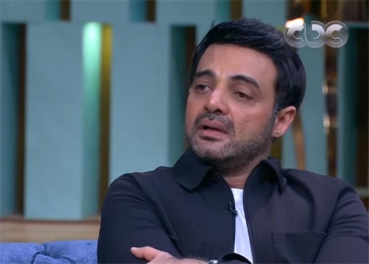 عمرو محمود ياسين يهاجم بغضب زوج الفنانة دينا فؤاد لماذا