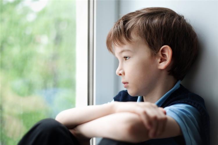 علامات إصابة طفلك بالمثلية الجنسية