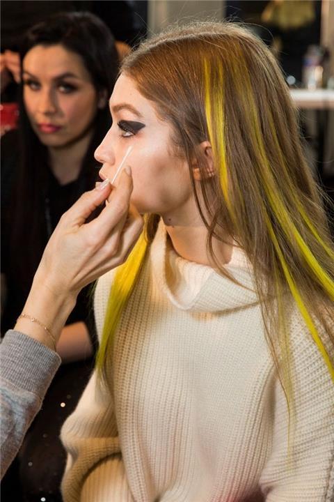 7c66a10cb5b5d تسريحات الشعر الموضة في خريف وشتاء 2017