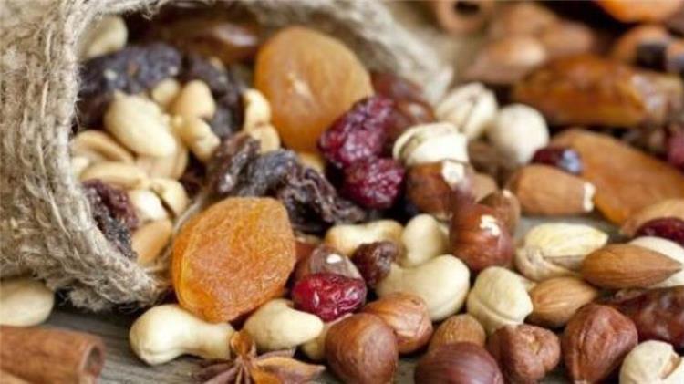 جدول السعرات الحرارية لحلويات رمضان والمكسرات والياميش