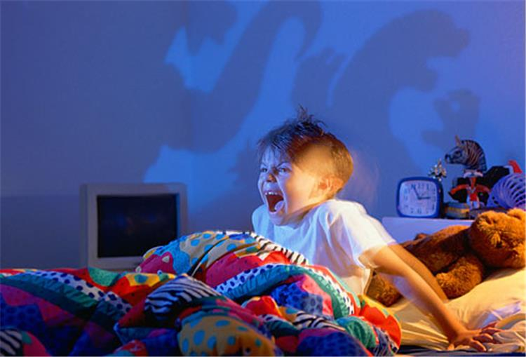 كيف تجنبين طفلك رؤية الكوابيس الليلية