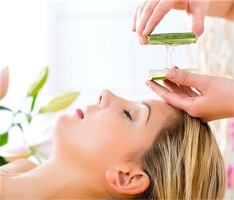 العلم أثبت 4 فوائد للألوفيرا على شعرك تجعلك لا توقفين عن استخدامها